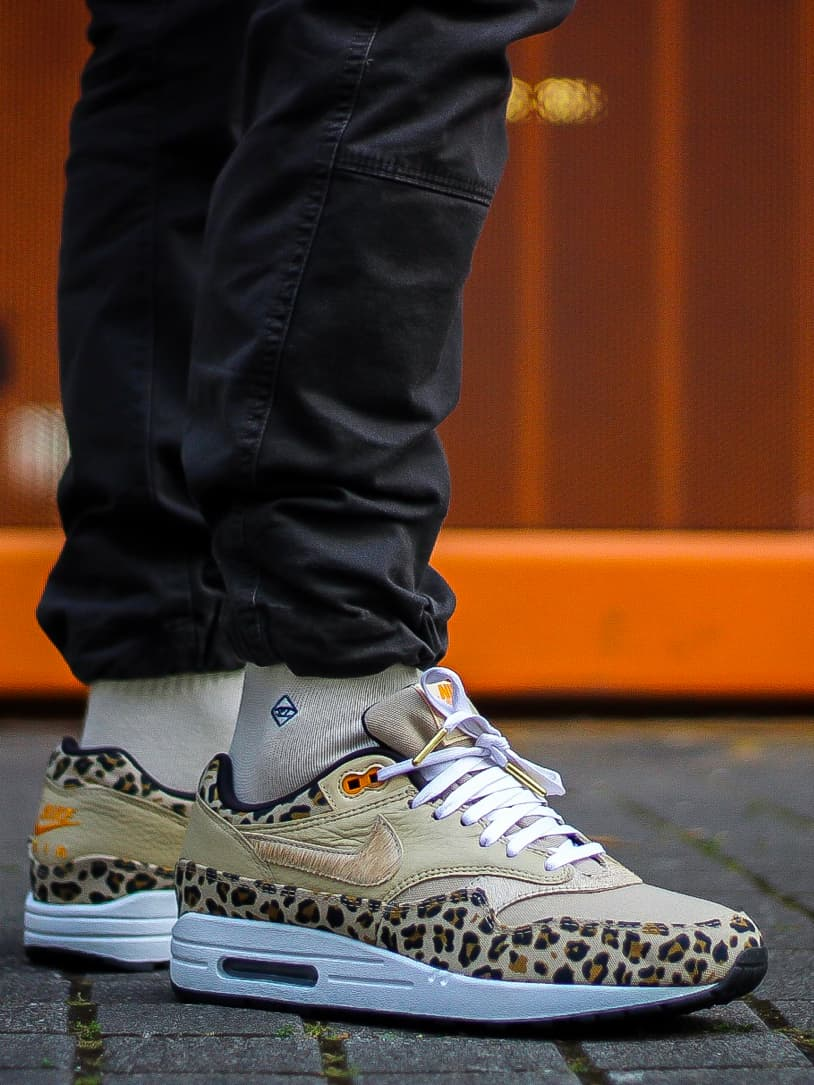 Lacets plats blancs embouts or Nike Air Max One Leopard Jeremyy_ctr 2