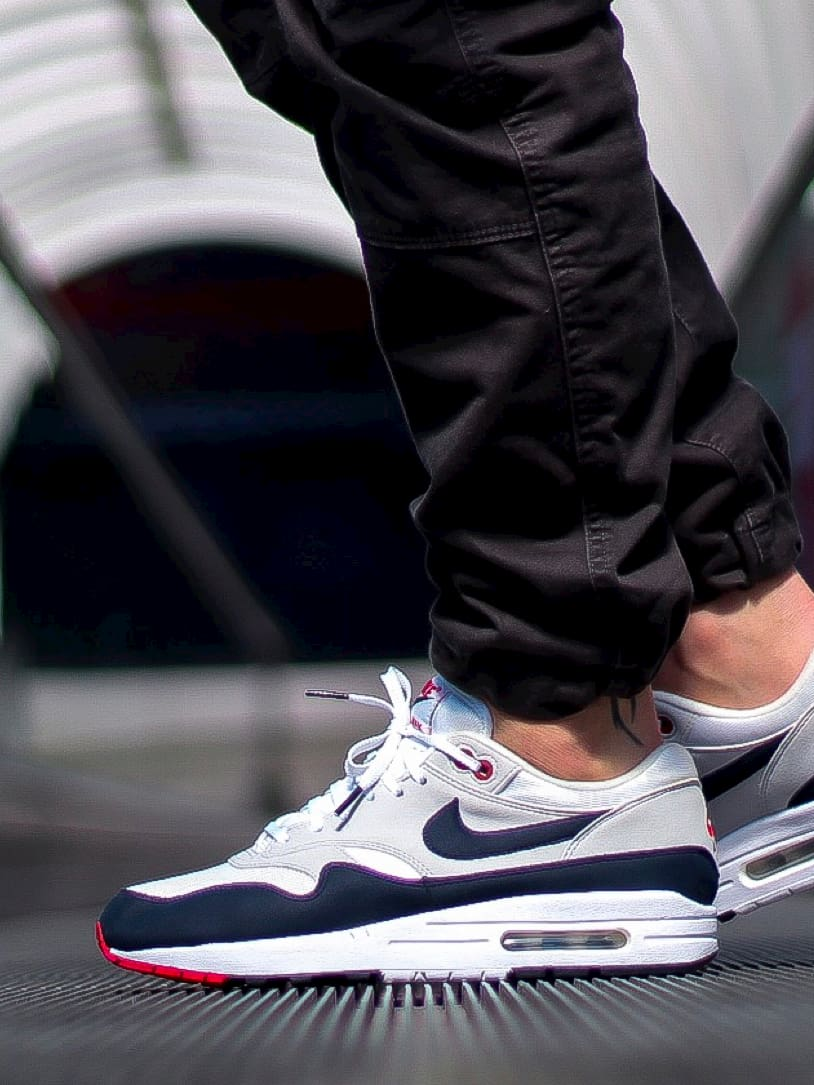 Lacets plats blancs embouts noirs Nike Air Max One Obsidian Jeremyy_ctr