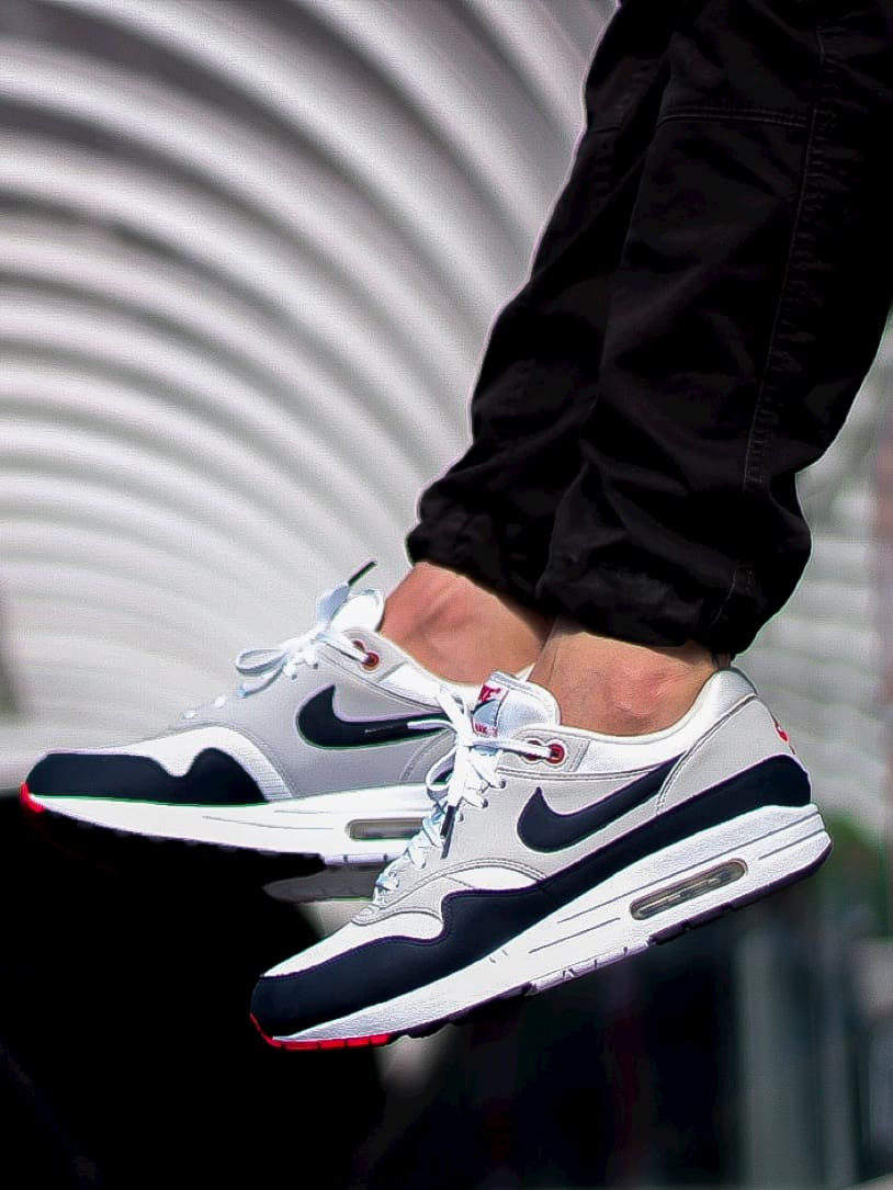 Lacets plats blancs embouts noirs Nike Air Max One Obsidian Jeremyy_ctr 2