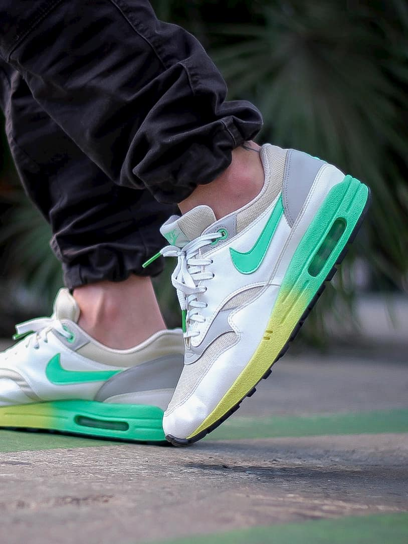 Lacets plats blancs embouts verts Nike Air Max One verts Jeremyy_ctr 2