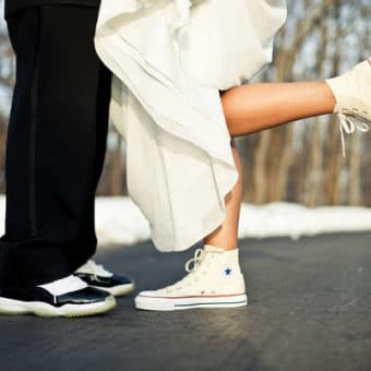 Pinroll lacets sneakers - Article blog mariage et sneakers - baskets avec une robe - Sneaker blog
