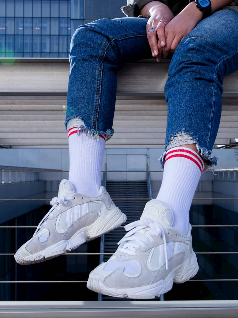 Chaussettes blanches bandes rouges - Sandra Adidas Young Triple White